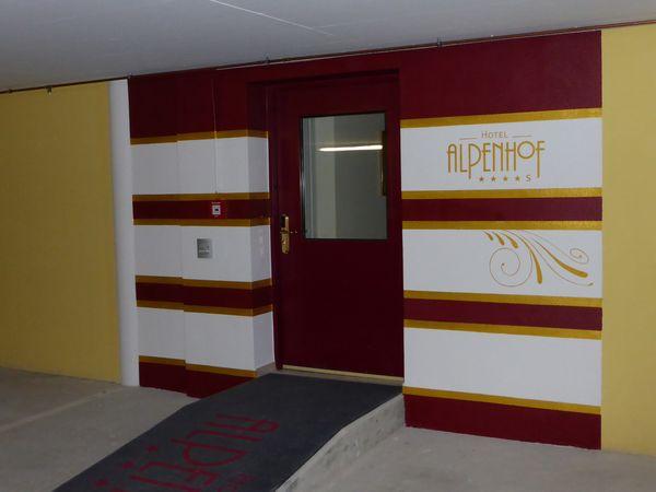 Alpenhof-Dekortechnik-Altenmarkt-Eingang