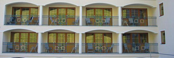 Salzburgerhof-Fassadenarbeiten-Zauchensee-Pistenseite