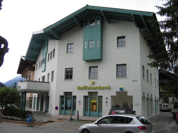 Raiffeisenbank-Altenmarkt-Fassadenarbeiten